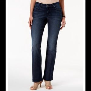 NWT Style & Co Curvy-Fit Bootcut Jeans Sz 16 short